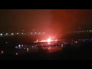 Avión Boeing sufre fatal accidente en Rusia