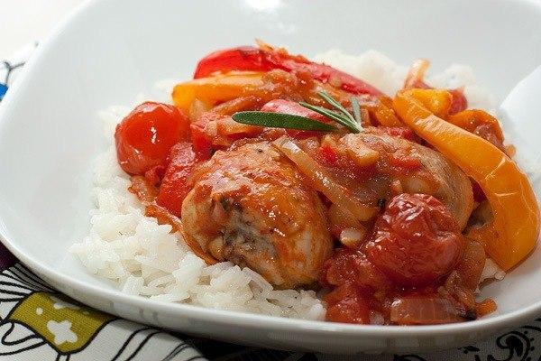 Курица запеченная с овощами рецепт с фото