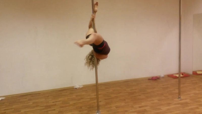Няшные трени. Ученица Таня. Pole dance