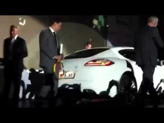 Первый Porsche Panamera от LR в России! Вручение на сцене!
