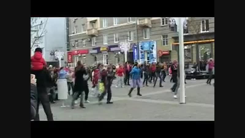 И Днепр ЖЖЁТ не по-детски…! =)