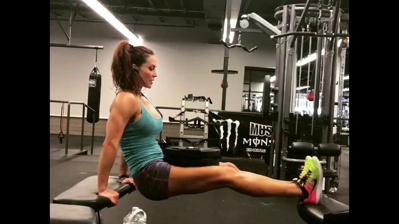 Sculpt Triceps and Biceps with this Superset