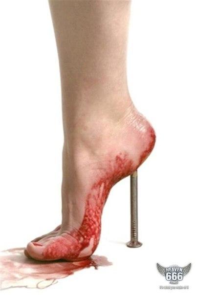 Однако ученые давно пришли к выводу, что каблуки вредят здоровью. Многие ж