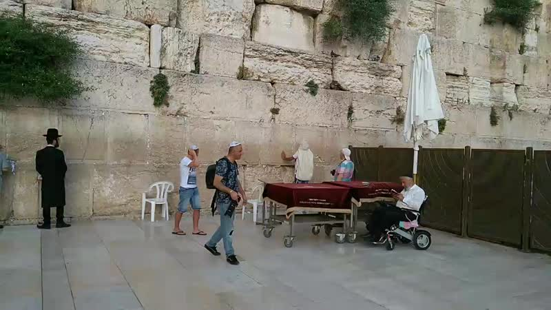 Израиль.Ирусалим.Стена Плача.Находится на Храмовой горе и является частью Храма Соломона,разрушенного в 70 г.н.э.
