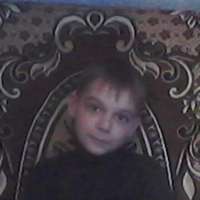 Максим Лисак, 19 апреля 1998, Елец, id200447065