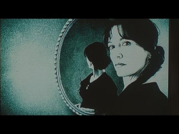 Рэйчел Келлер смотрит смертоносную кассету Звонок 2002