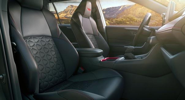Кроссовер Toyota RAV4 обзавелся версией TRD Off-Road Фото: компания ToyotaЗаждались нового Рафика Кроссовер пятого поколения хоть и дебютировал еще в марте прошлого года, но даже на американский