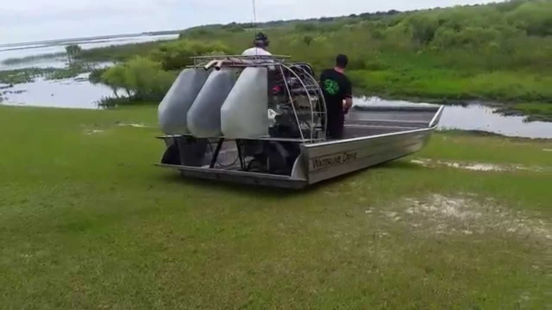 Water Walkers Dual Sync Water Line Drive Airboat