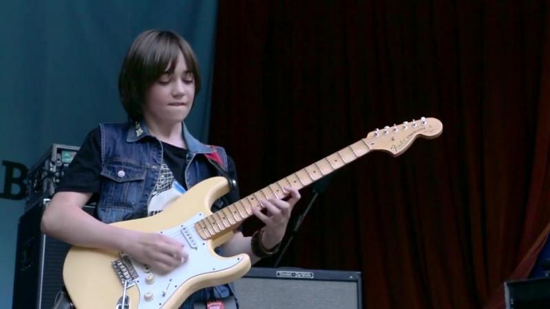 Вова Черноклинов – самый юный гитарист-виртуоз на Детском Рок-Фесте 2015