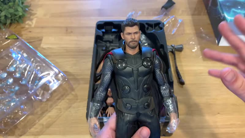 [Justin's Collection Eng] Hot Toys MMS474: Avengers Infinity War - Thor 1/6