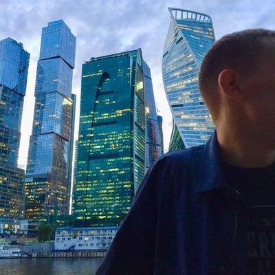 Дмитрий Белый