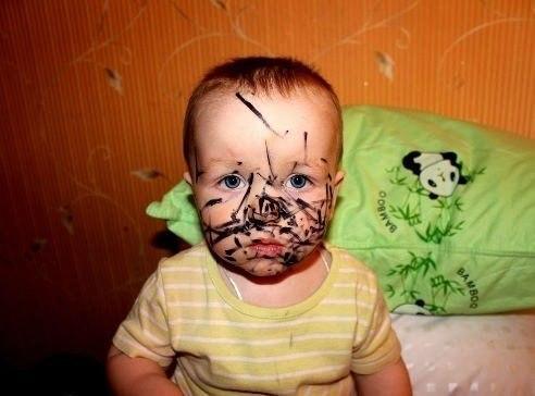 Главное - глаза грустные сделать! Чтобы мама решила, что маркер сам нападал.