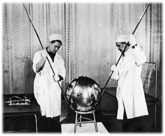 4 октября (1957 года) - Запуск СССР первого спутника Ngld4171wn4