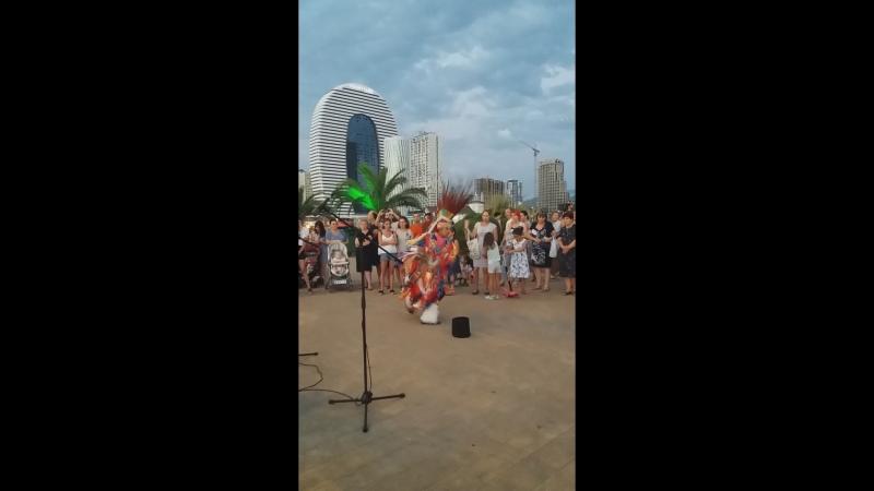 Танец Хоссе и Алекса