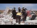 Пять человек, включая троих детей, пострадали. Одну выжившую женщину спасатели достали из-под обломков здания.
