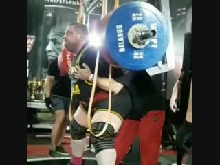Влад Алхазов присед 525 кг.