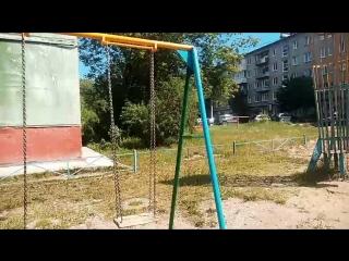 Пермяки попросили чиновников отремонтировать детскую плошадку, а те предложили ее снести.