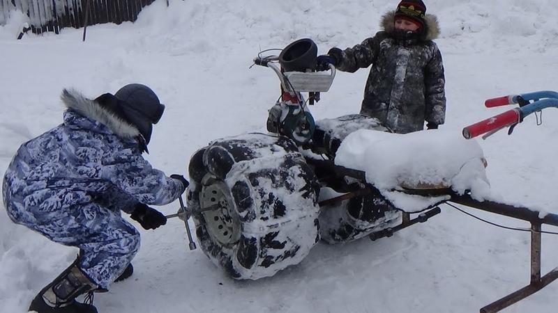 Покатушки на бешеном Кроте по пухлому снегу