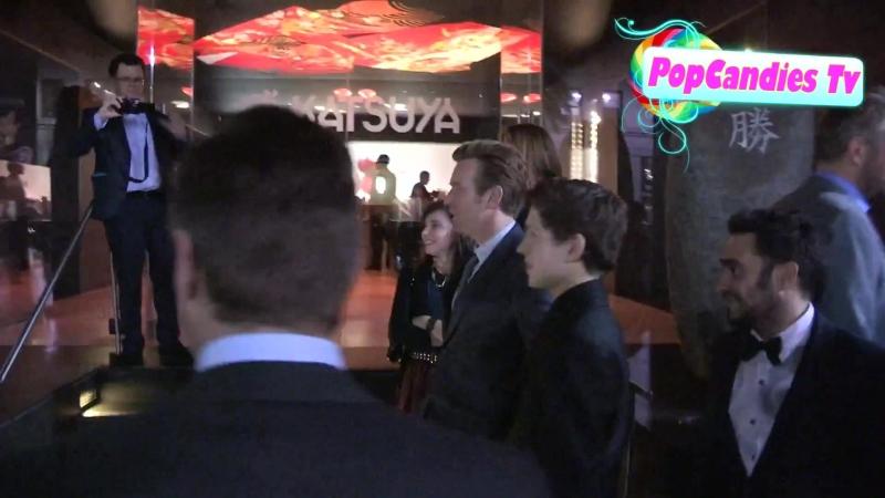 2012 › Том в компании Эвана МакГрегора и Ив Мавракис покидают ресторан японской кухни «Katsuya» в Лос-Андежелсе | 11.12