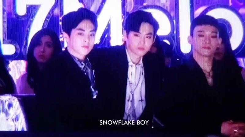[FANCAM] 171202 Сухо на одной волне вместе с Twice. Дубль 2 @ 2017 Melon Music Awards