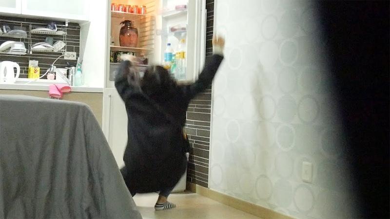 냉장고에서 오빠의 머리가 나왔을때 여동생의 반응 (할로윈특집)