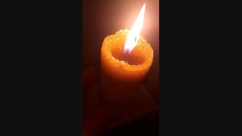 как горит свеча-бочонок