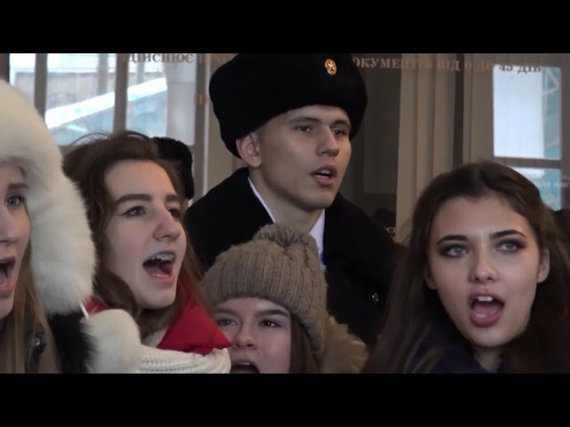Донецк под барабаны НЕСЛОМЛЕННЫЙ ПОЁТ - песенный флешмоб | Donetsk under UNBROKEN reels SINGING!