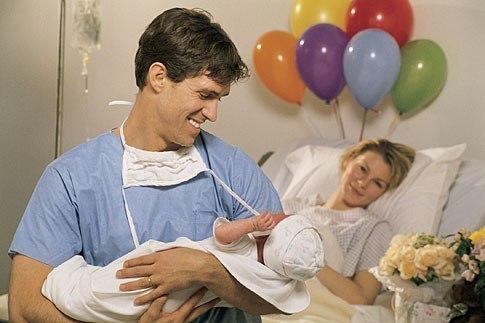 Мужчина должен любить трех женщин: ту, которая его родила; ту, которая ему родит; и ту, которая у него родится!