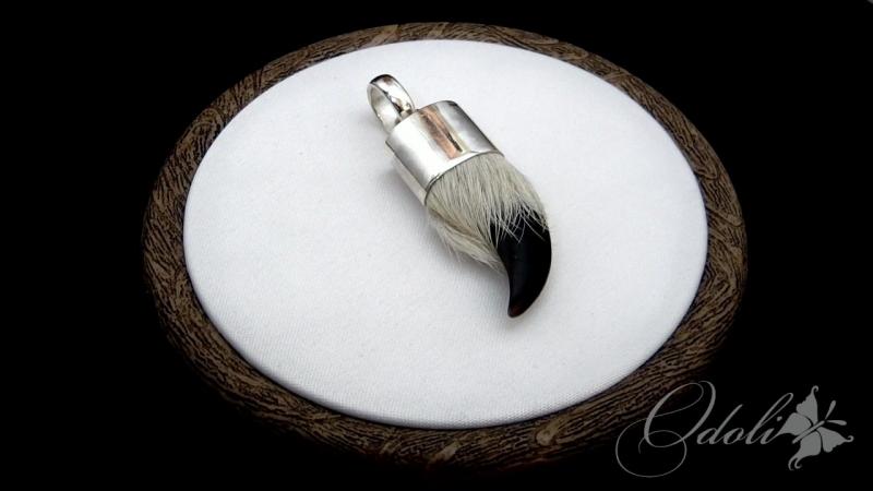 Мужской амулет из серебра с когтем волка на шнуре