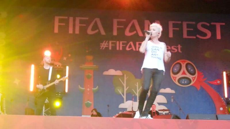 Диана Арбенина Разбуди меня FIFA Fan Fest 2018 Санкт Петербург 14 06 18