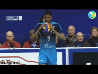 Incredible Leon - 10 Volleyball Aces in the Match