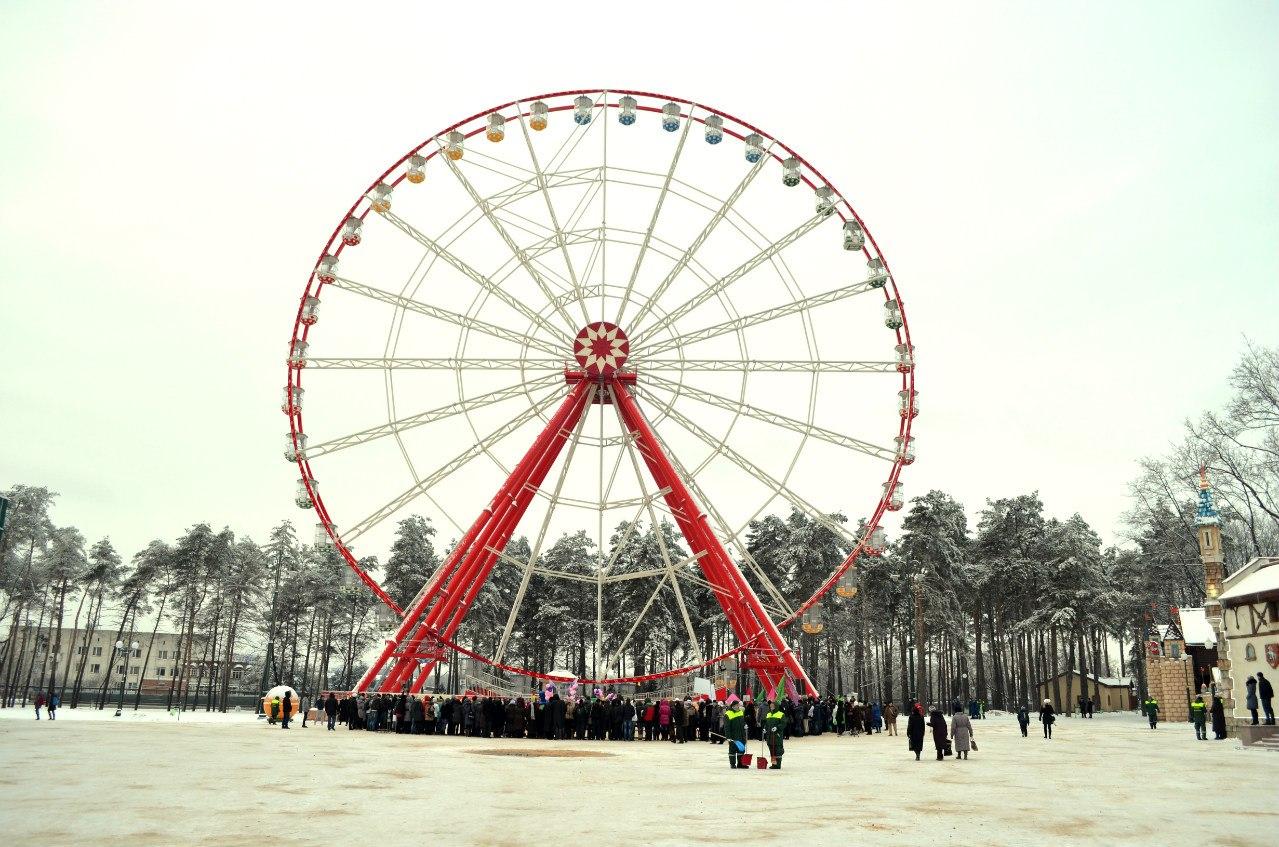 Колесо обозрения в парке Горького