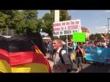 Немцы митингуют против