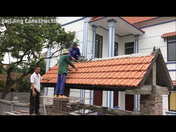 Traditional Construction How To Place Terracotta Tiles On The Gate Roof