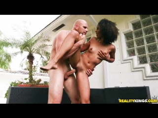 Nia nixon in wet for a dilf
