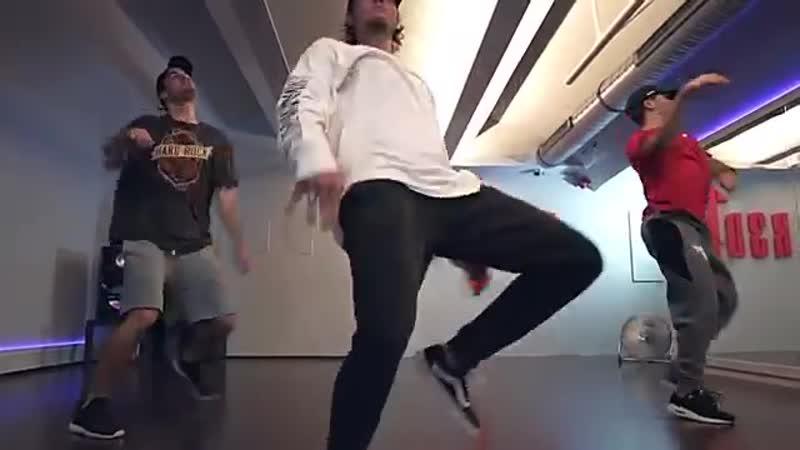 Mc Gustta e MC DG ABUSADAMENTE _ Duc Anh Tran Choreography
