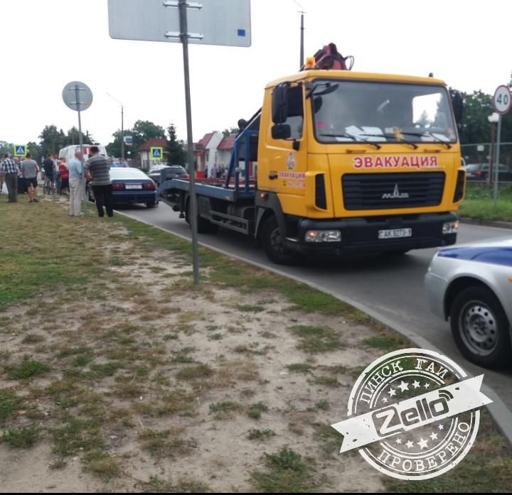 Конфликт в Пинске: из-за эвакуации автомобиля мужчина подрался с сотрудником ДПС ГАИ