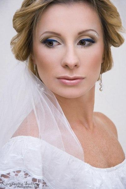 Возрастной макияж с нависающим веком коррекция