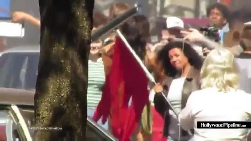 Галь и Крис на съемочной площадке второй части фильма «Чудо-женщина».