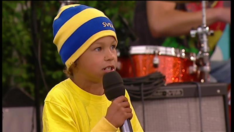 Little Frans on the stage-Who s Da Man (Allsång På Skansen 2006)