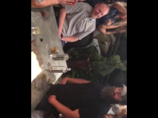 Джаред и Дэннил отмечают с друзьями 40-й День рождения Джепа Робертсона