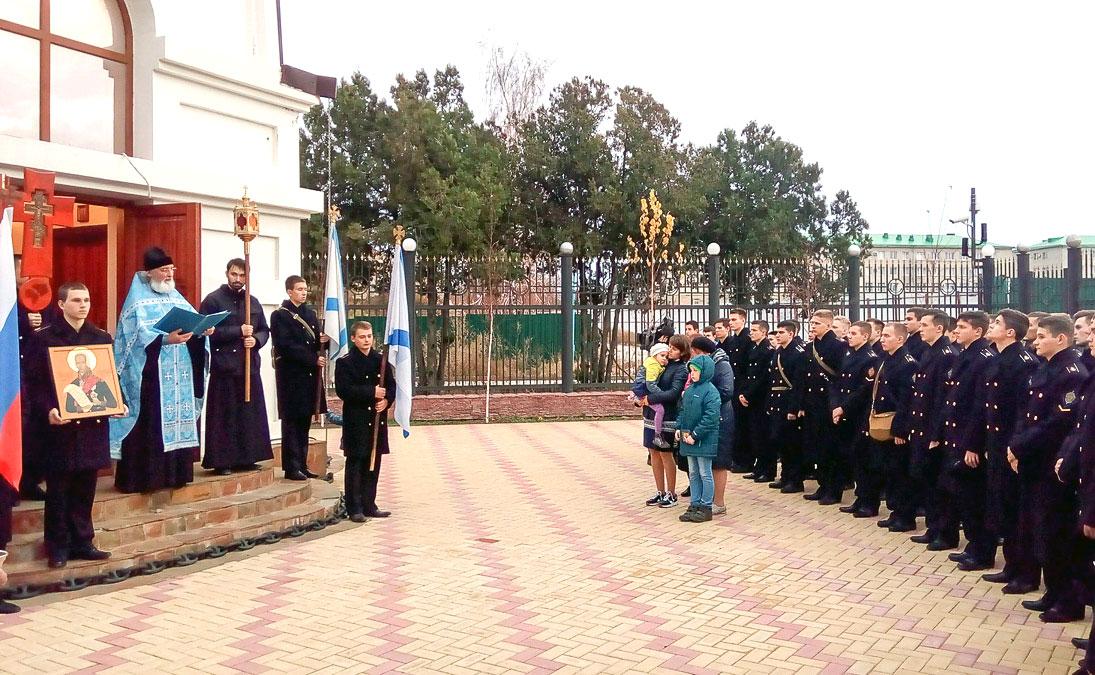 Mолебен и Крестный ход, посвященный храмовому дню Пограничных войск России
