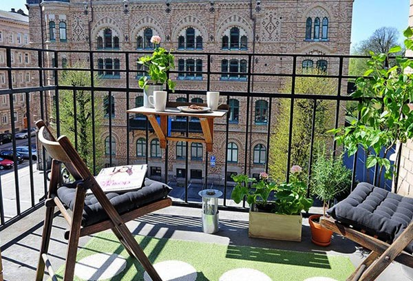 Декор балкона к лету своими руками
