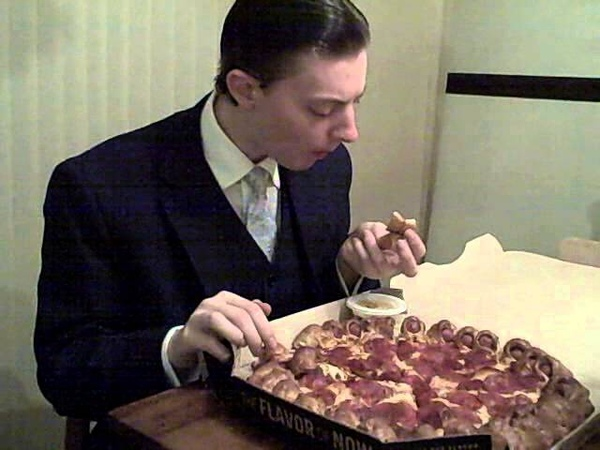 Pizza Hut Hot Dog Bites Pizza - Food Review