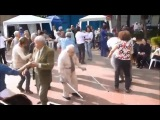 Вирусное Old Man Dances Better Than Most People