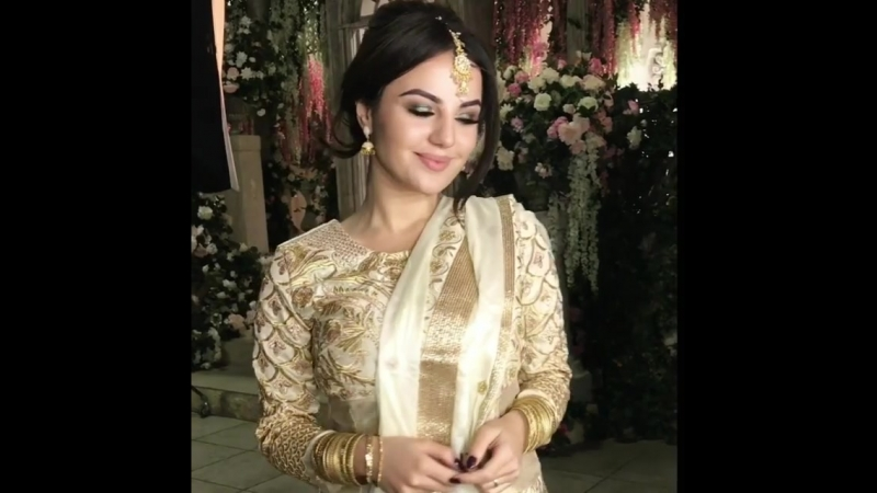Как вам АниВар в индийских нарядах
