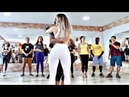 ❤👏LA CHICA DE BLANCO EXPERTA MOVIENDO LA NALGA ASI UFF😲😍