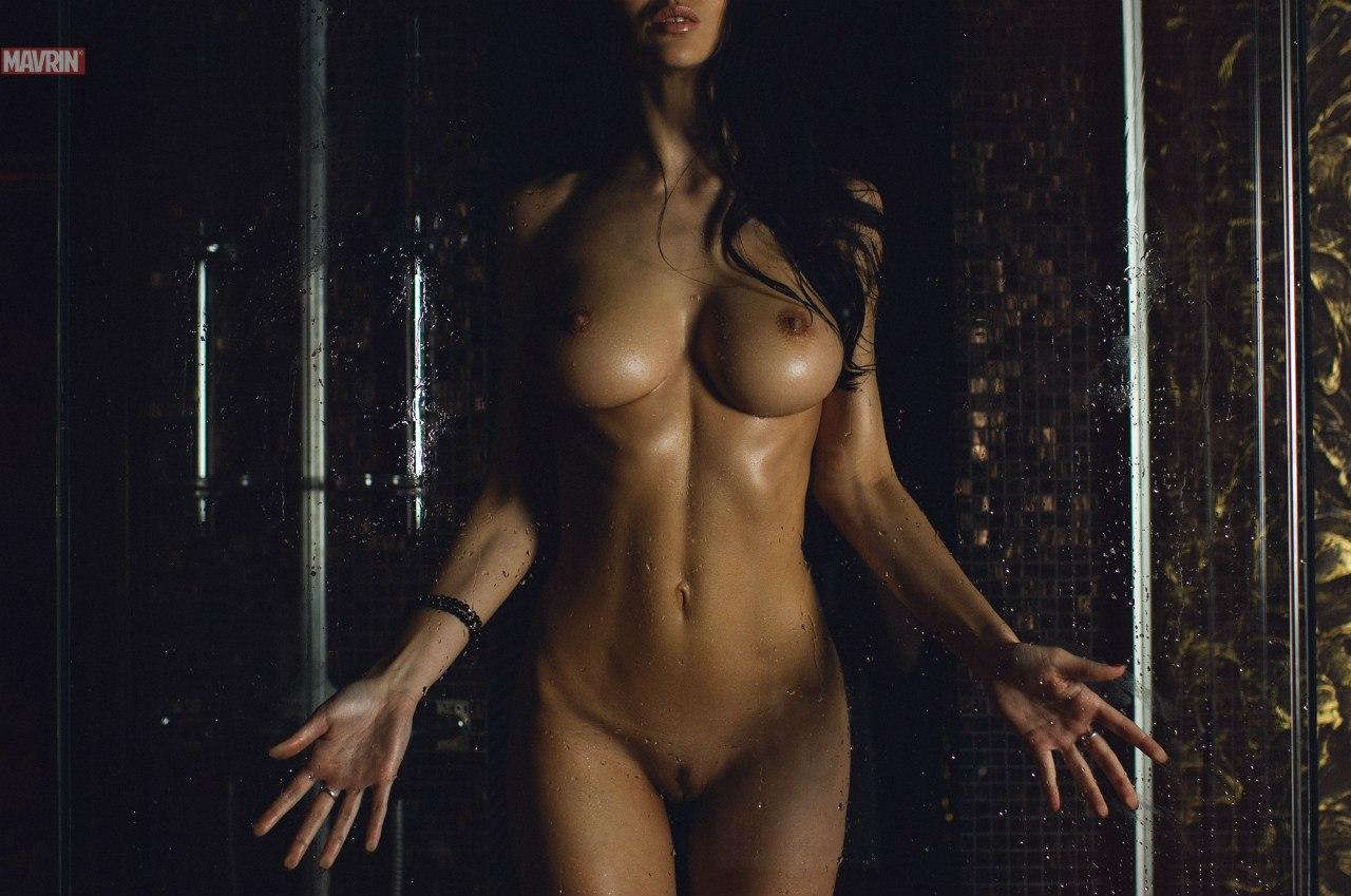 devushka-s-idealnim-telom-v-porno