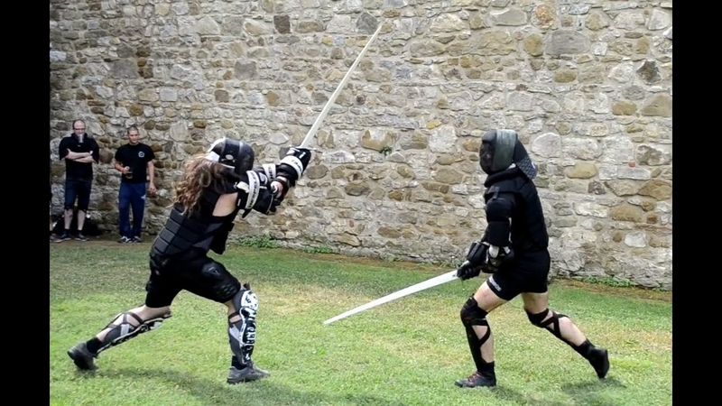 Two handed sword fighting - Free sparring