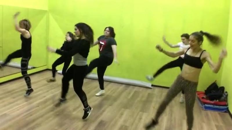 Тренировка Dancehall   Школа танцев Alexis